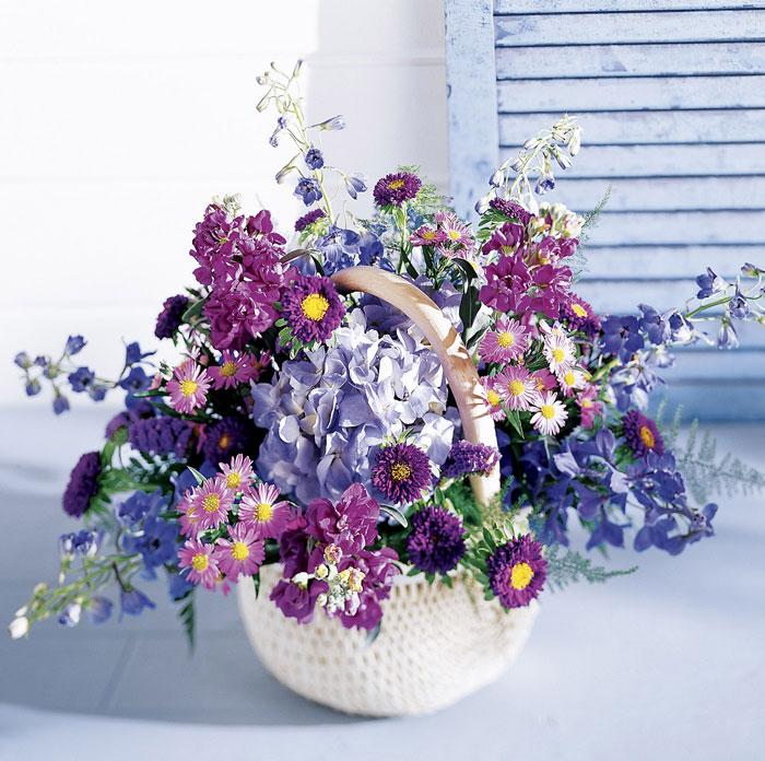 Букеты из полевых и садовых цветов